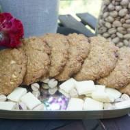 Ciasteczka z pistacjami i białą czekoladą