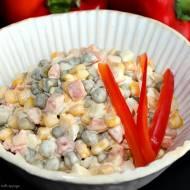 Ekspresowa sałatka warzywna z jajkami