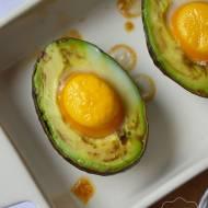 Jajko w awokado z piekarnika