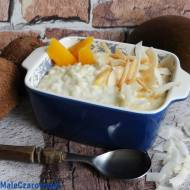 Pudding ryżowy z mango i płatkami kokosowymi