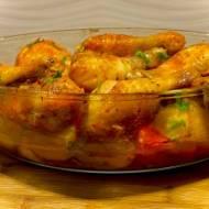 Aromatyczny kurczak pieczony z warzywami