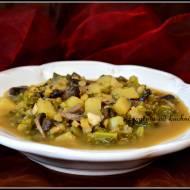 Pożywna zupa z jarmużem
