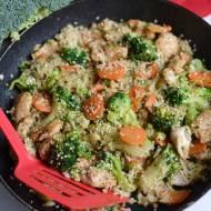 Ryż z kurczakiem i brokułem