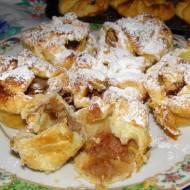 jabłkowe babeczki z ciasta francuskiego...