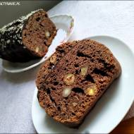 Mocno czekoladowe ciasto z orzechami
