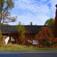 Zabytkowy budynek Karczmy w Kucinach woj. łódzkie