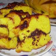 drożdżowe ciasto z kurkumą i jagodami...