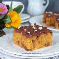 ciasto marchewkowe z czekoladą i orzechami