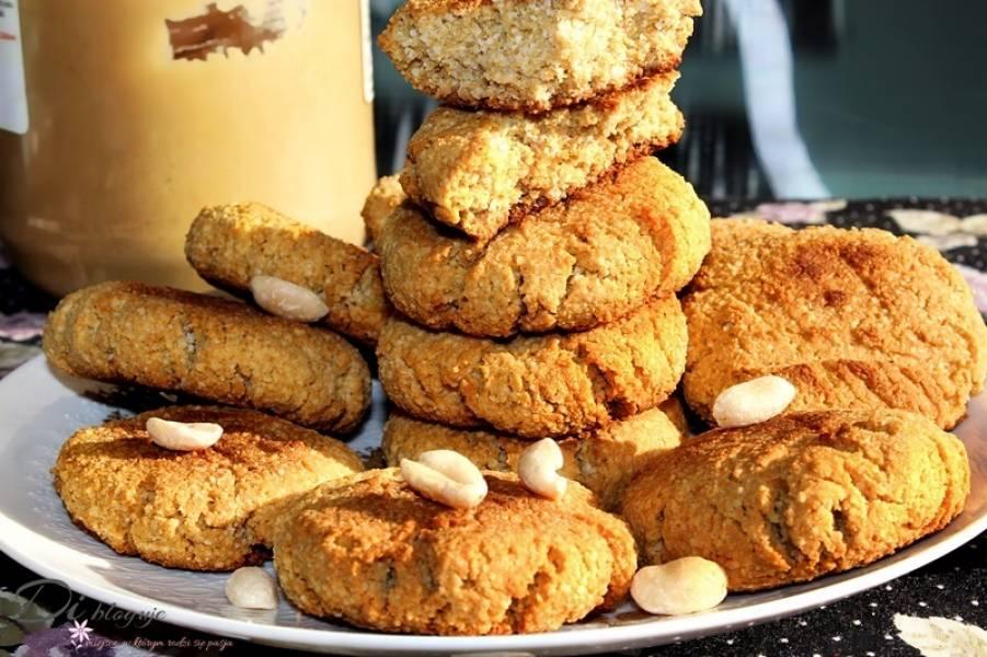 Zdrowe ciasteczka z masła orzechowego i mąki kokosowej (bez glutenu)