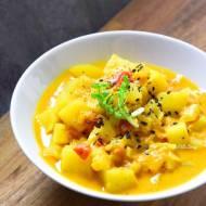 Curry kokosowe z ziemniakami i selerem naciowym