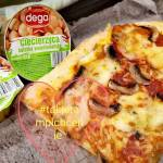 Pizza wegetariańska z sałatką