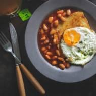 Fasolka, jajko na twardo, tost – prawdziwe brytyjskie śniadanie