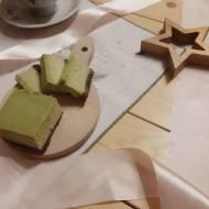 Pieczony sernik z zieloną herbatą