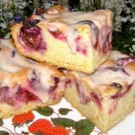 łatwe, smaczne ciasto ze śliwkami i lukrem cynamonowym...