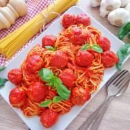 Spaghetti w sosie pomidorowym z pulpecikami (Spaghetti con polpettine al sugo di pomodoro)