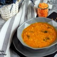 Zupa z soczewicy ze szpinakiem