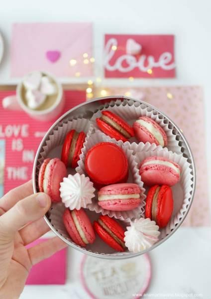 Walentynkowe makaroniki z czekoladą