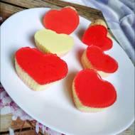 Walentynkowe babeczki jogurtowe na zimno
