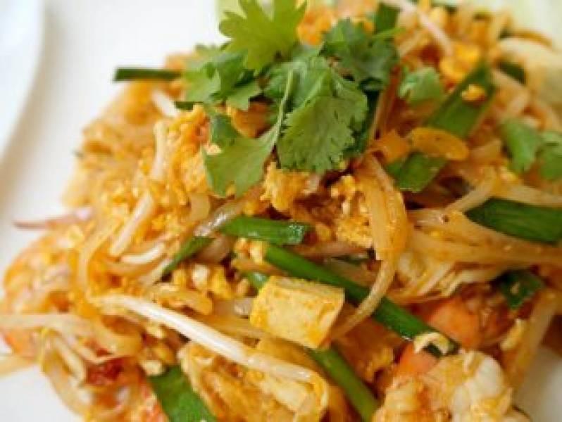 Domowe Pad Thai z kurczakiem