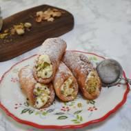 Cannoli – włoskie rurki z kremem z ricotty