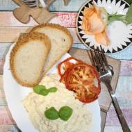 Pasta jajeczna z suszonymi pomidorami