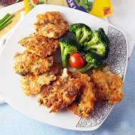 Siekane kotleciki drobiowe z warzywami i serem żółtym