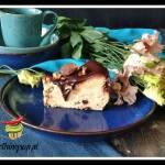 Puchaty sernik z polewą czekoladową