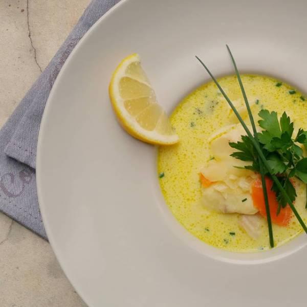 Zupa rybna z odrobiną szafranu