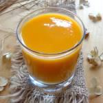 Smoothie z batatów, soku pomarańczowego i imbiru