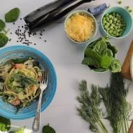 Spaghetti z łososiem na zielono