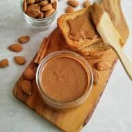 Domowe masło migdałowe (Burro di mandorle)