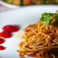 Spaghetti w delikatnym pomidorowym sosie