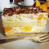 Ciasto biszkoptowe z kremem jogurtowym i brzoskwiniami Jagusia (bez pieczenia)