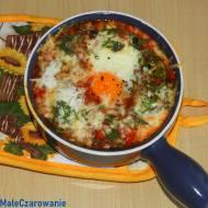 Jajka z soczewicą i papryką