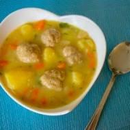 Pyszna zupa klopsowa