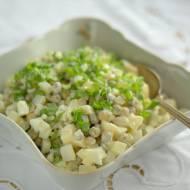 Sałatka z gotowanymi białkami