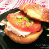 Francuski wege burger śniadaniowy
