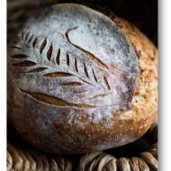 Chleb z Vermont na zakwasie z dodatkiem mąki żytniej razowej pieczony w żeliwnym garnku