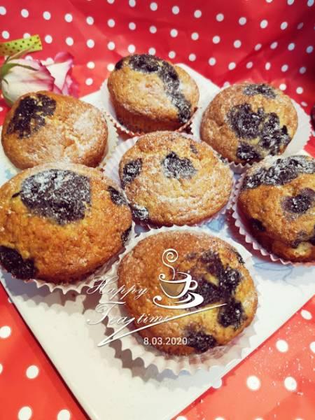 Łatwe muffiny z mrożonymi jagodami
