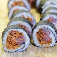 Sushi z łososiem i marchewką