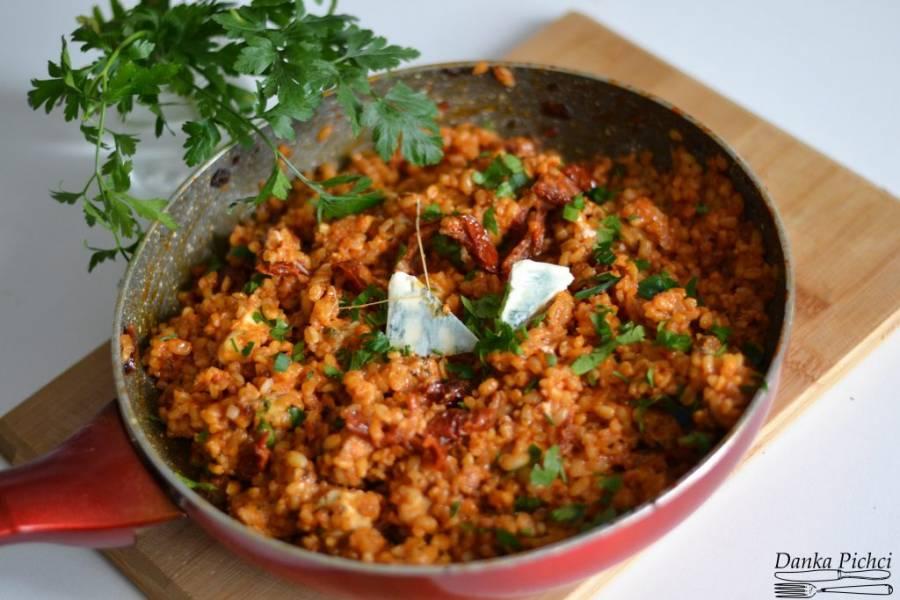Pomidorowa kasza bulgur z kurczakiem