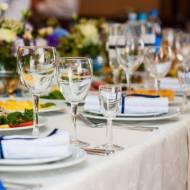 Czym kierować się przy wyborze restauracji na uroczystości?
