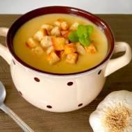 Zupa czosnkowa – pyszny sposób na wzmocnienie organizmu.