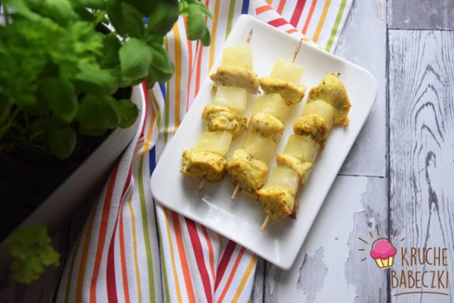Szaszłyki z kurczakiem i ananasem