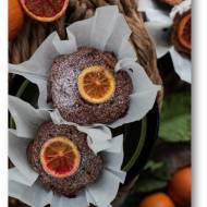 Babeczki z pomarańczami ze skórką i z czekoladą