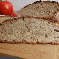 Chleb na zaczynie poolish z garnka żeliwnego