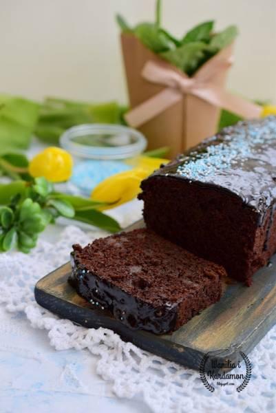 Ciasto czekoladowe z korzenną gruszką