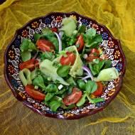 Surówka z roszponki, pomidora i ogórka
