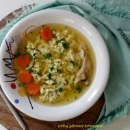 Rzymski rosół straciatella z parmezanowymi kluseczkami