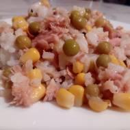 Ryżowa sałatka z tuńczykiem